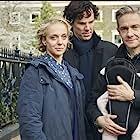 Amanda Abbington, Martin Freeman, and Benedict Cumberbatch in Sherlock (2010)