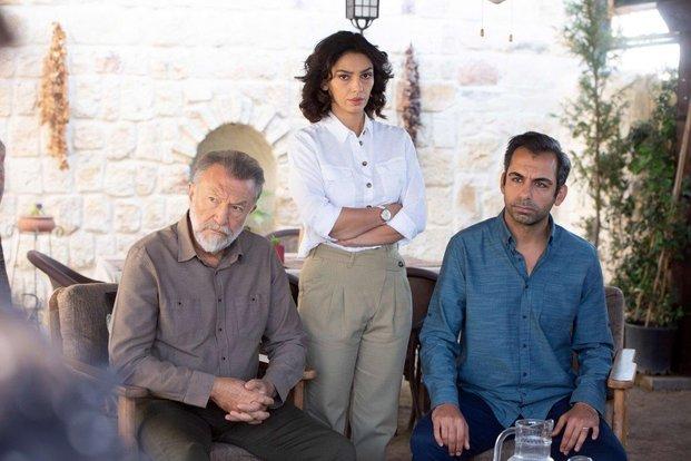 Tamer Levent and Ezgi Çelik in Maria ile Mustafa (2020)