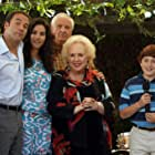 Jami Gertz, Garry Marshall, Jeremy Piven, Doris Roberts, and Daryl Sabara in Keeping Up with the Steins (2006)