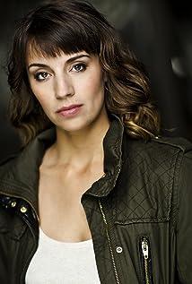 Adrienne Kress Picture