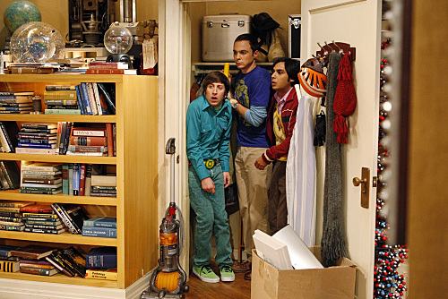 Simon Helberg, Jim Parsons, and Kunal Nayyar in The Big Bang Theory (2007)