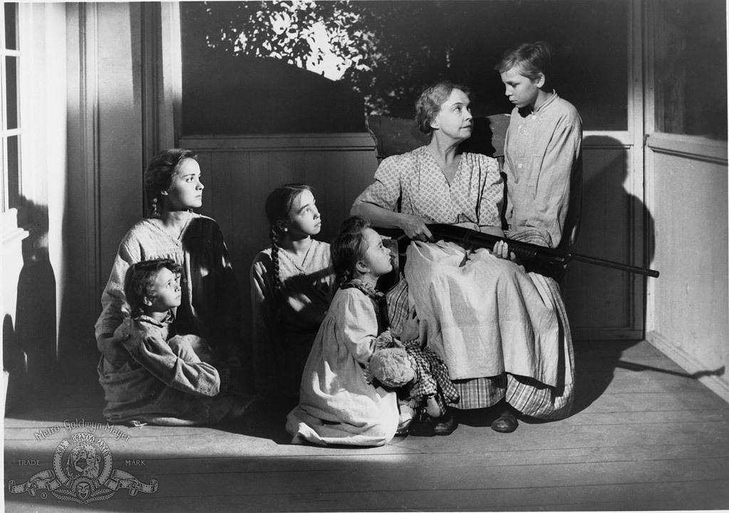 Lillian Gish, Sally Jane Bruce, Cheryl Callaway, Gloria Castillo, Billy Chapin, and Mary Ellen Clemons in The Night of the Hunter (1955)