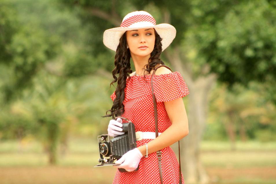 Madrasapattinam (2010) - Photo Gallery - IMDb