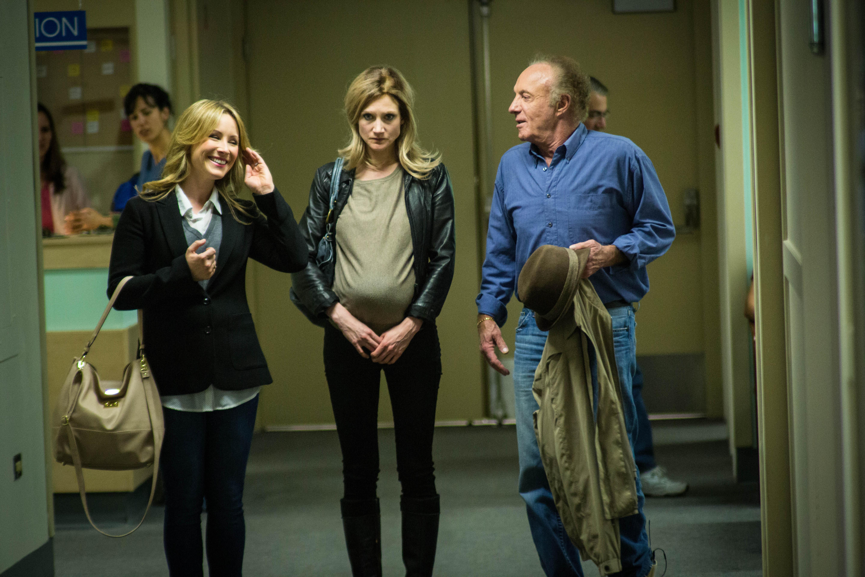Lisa Durupt, Sonja Bennett and James Caan in Preggoland.