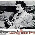 Marcello Mastroianni in Divorzio all'italiana (1961)