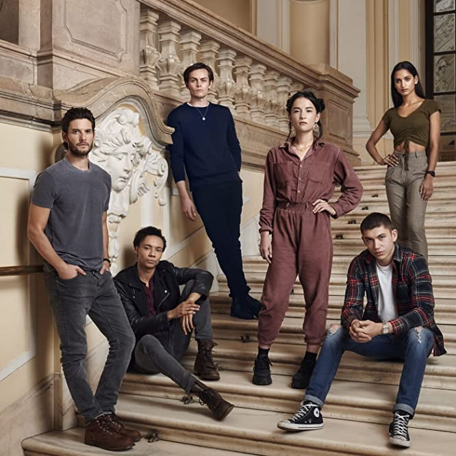 Ben Barnes, Kit Young, Freddy Carter, Archie Renaux, Jessie Mei Li, and Amita Suman in Shadow and Bone (2021)