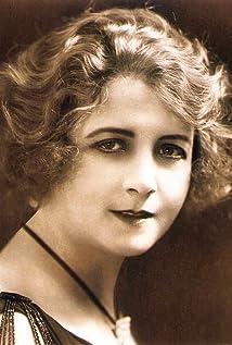 Suzanne Bianchetti Picture