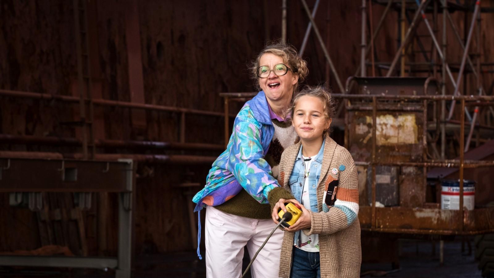 Anna Böttcher and Charlotte Martz in Die Pfefferkörner und der Schatz der Tiefsee (2020)