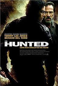 Tommy Lee Jones and Benicio Del Toro in The Hunted (2003)