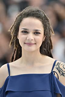 Sasha Lane Picture