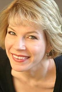 Anne Fizzard Picture