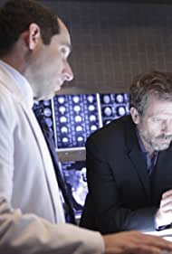 Peter Jacobson and Hugh Laurie in House M.D. (2004)