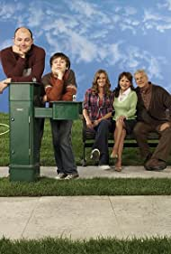 Erinn Hayes, Lenny Clarke, Linda Hart, Rob Corddry, and Keir Gilchrist in The Winner (2007)
