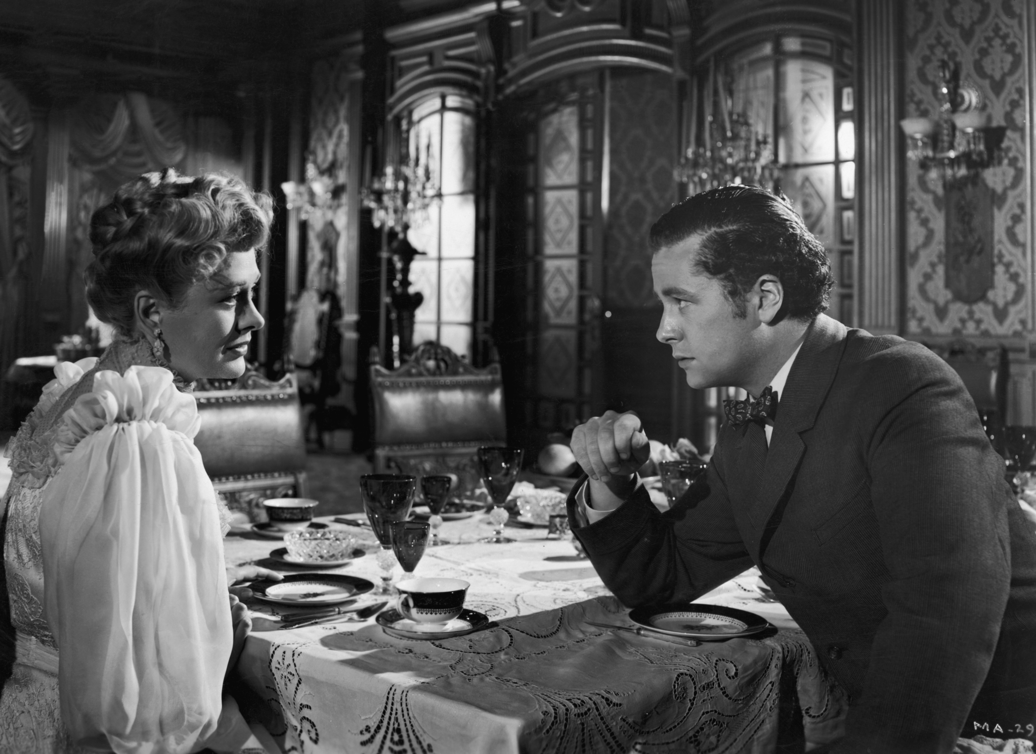 Dolores Costello and Tim Holt in The Magnificent Ambersons (1942)