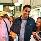 Bobby Cannavale and Melissa McCarthy in Superintelligence (2020)