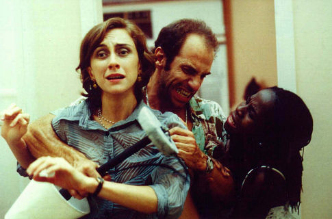 Zezeh Barbosa, Roberto Bomtempo, and Betty Gofman in Cronicamente Inviável (2000)