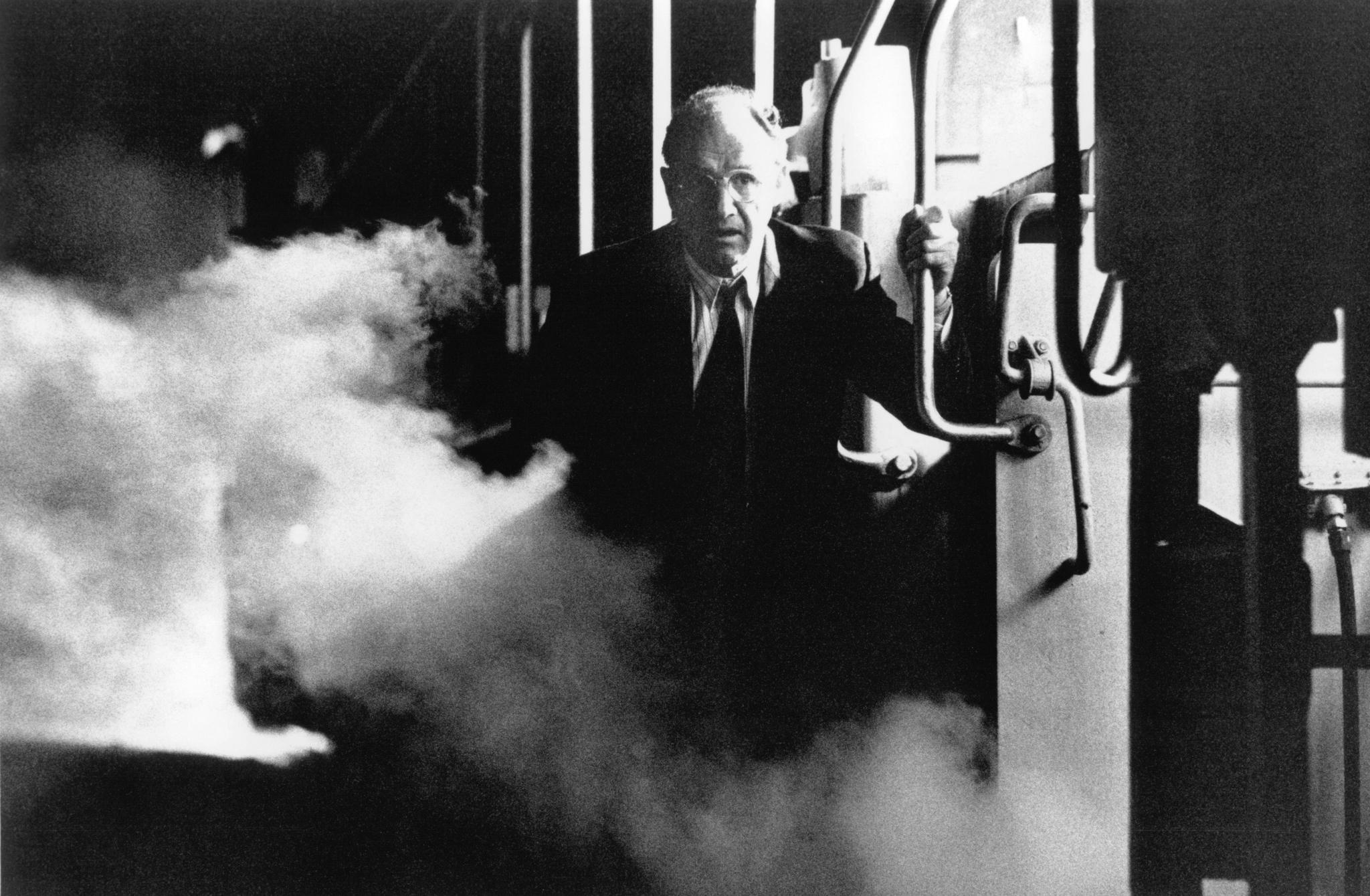 Gene Hackman in Narrow Margin (1990)