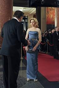 Alec Baldwin and Elizabeth Banks in 30 Rock (2006)