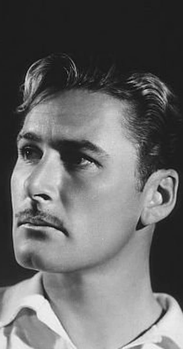 Errol Flynn - Biography - IMDb