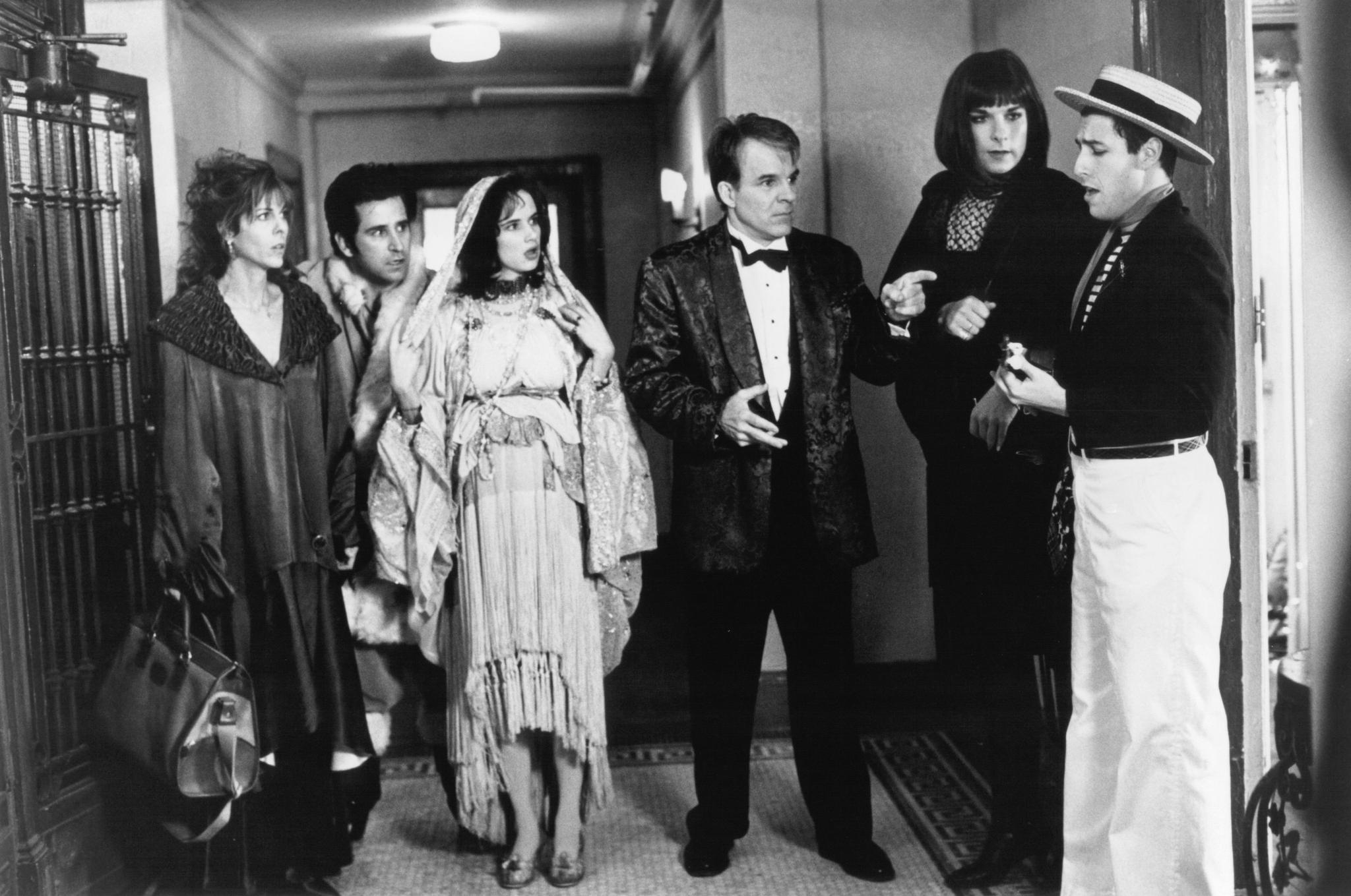 Steve Martin, Juliette Lewis, Liev Schreiber, Adam Sandler, Anthony LaPaglia, and Rita Wilson in Mixed Nuts (1994)