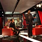 Snoop Dogg and George Stroumboulopoulos in The Hour (2004)