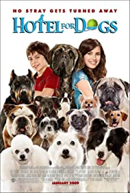 Emma Roberts, Jake T. Austin, and Cosmo in Hotel for Dogs (2007)