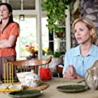 Maria Bello and Donna Murphy in World Trade Center (2006)