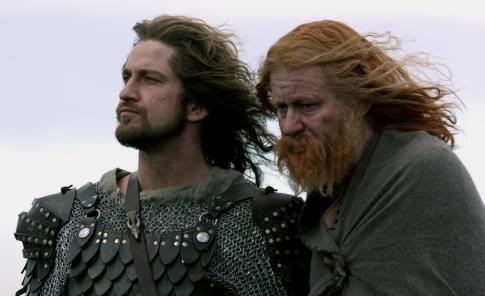 Stellan Skarsgård and Gerard Butler in Beowulf & Grendel (2005)