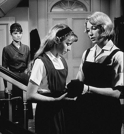 "9686-17 ""Children's Hour, The"" Audrey Hepburn and Shirley MacLaine 1961 UA"
