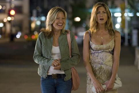 Jennifer Aniston and Joey Lauren Adams in The Break-Up (2006)