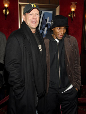 Bruce Willis and Yasiin Bey at an event for 16 Blocks (2006)