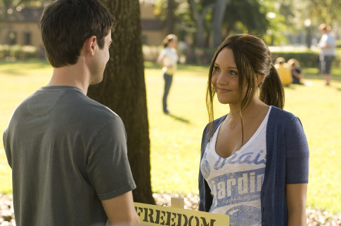 Amanda Bynes and Matt Long in Sydney White (2007)
