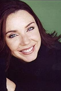 Stephanie Courtney body