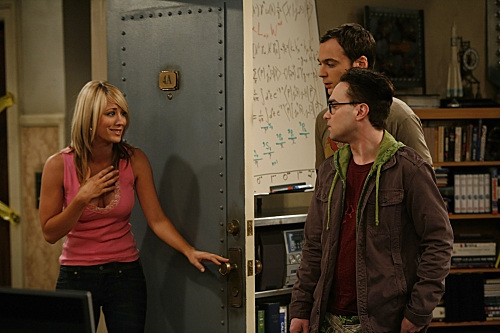 Kaley Cuoco, Johnny Galecki, and Jim Parsons in Pilot (2007)