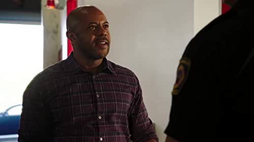 9-1-1: Bobby & Michael Disagree About Harry's Best Interest