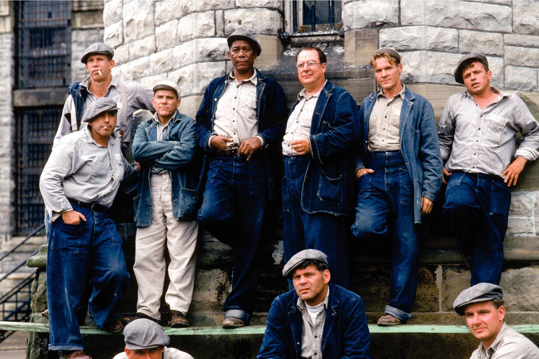Morgan Freeman, William Sadler, Larry Brandenburg, Neil Giuntoli, Brian Libby, David Proval, and Joseph Ragno in The Shawshank Redemption (1994)