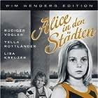 Yella Rottländer and Rüdiger Vogler in Alice in den Städten (1974)