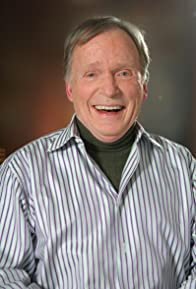 Primary photo for Dick Cavett