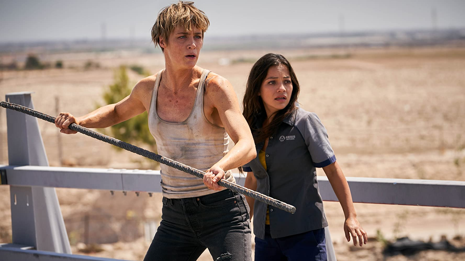 Natalia Reyes and Mackenzie Davis in Terminator: Dark Fate (2019)