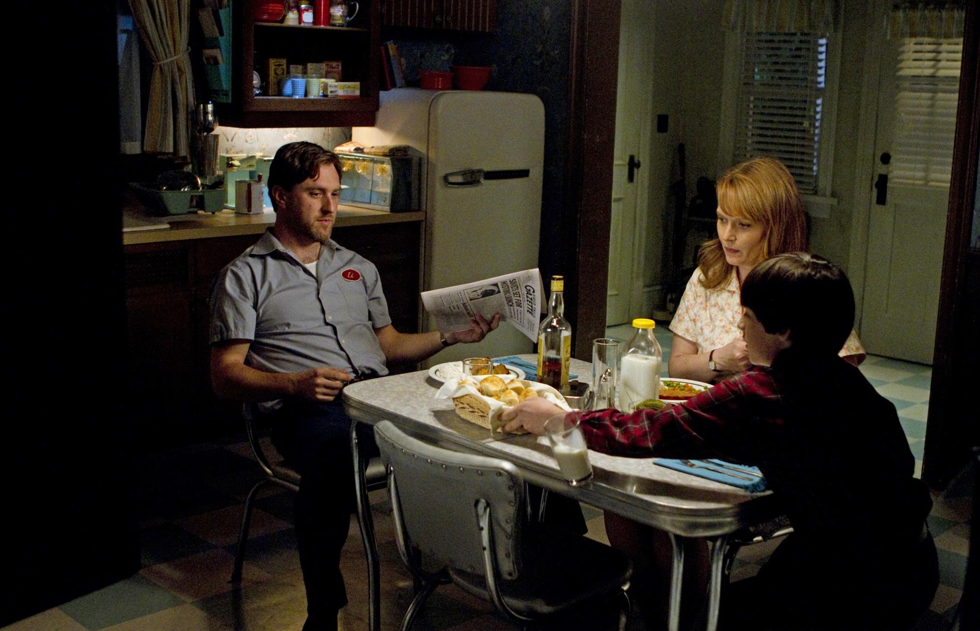 Chelah Horsdal, Edward Foy, and Collin MacKechnie in Supernatural (2005)
