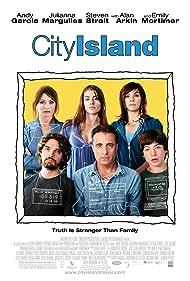Andy Garcia, Julianna Margulies, Dominik Garcia, Emily Mortimer, Steven Strait, and Ezra Miller in City Island (2009)