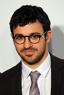 Simon Bird Picture