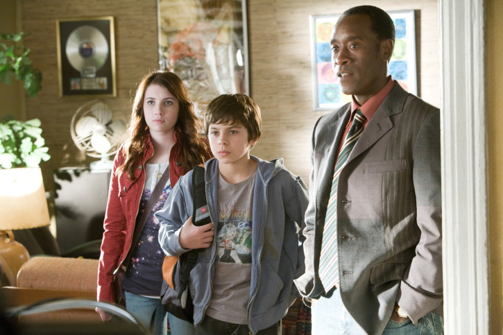 Don Cheadle, Emma Roberts, and Jake T. Austin in Hotel for Dogs (2009)