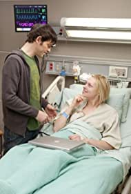 Laura Prepon and Adam Rothenberg in House M.D. (2004)