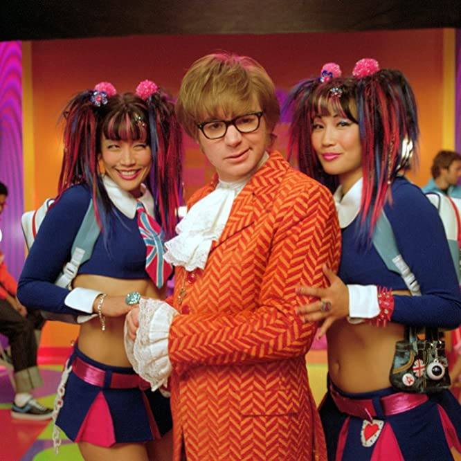 Mike Myers, Carrie Ann Inaba, and Diane Mizota in Austin Powers in Goldmember (2002)