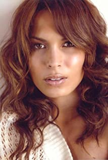 Nadine Velazquez Picture