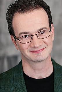 Simon Harvey Picture