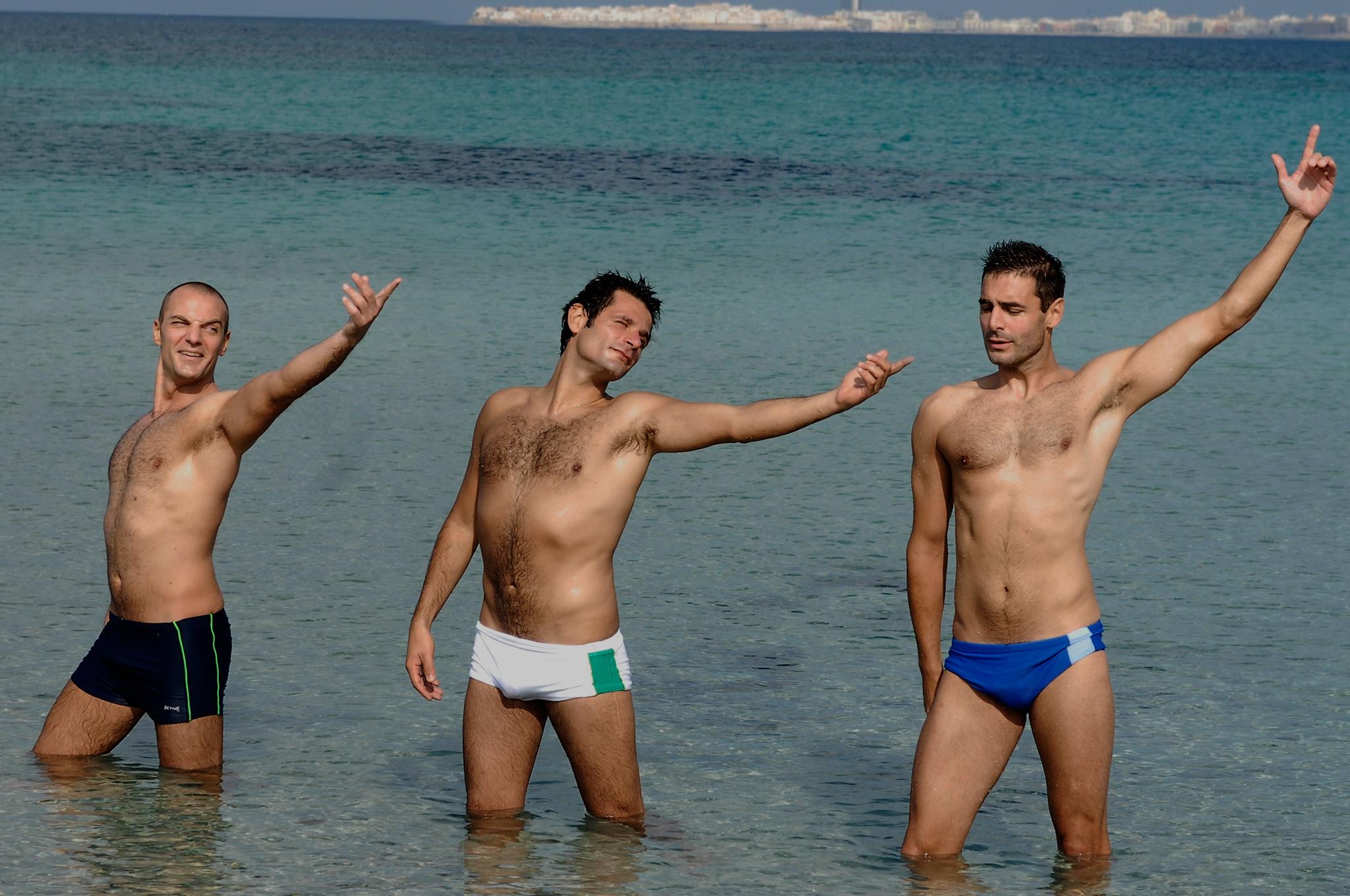 Daniele Pecci, Gianluca De Marchi, and Mauro Bonaffini in Mine vaganti (2010)