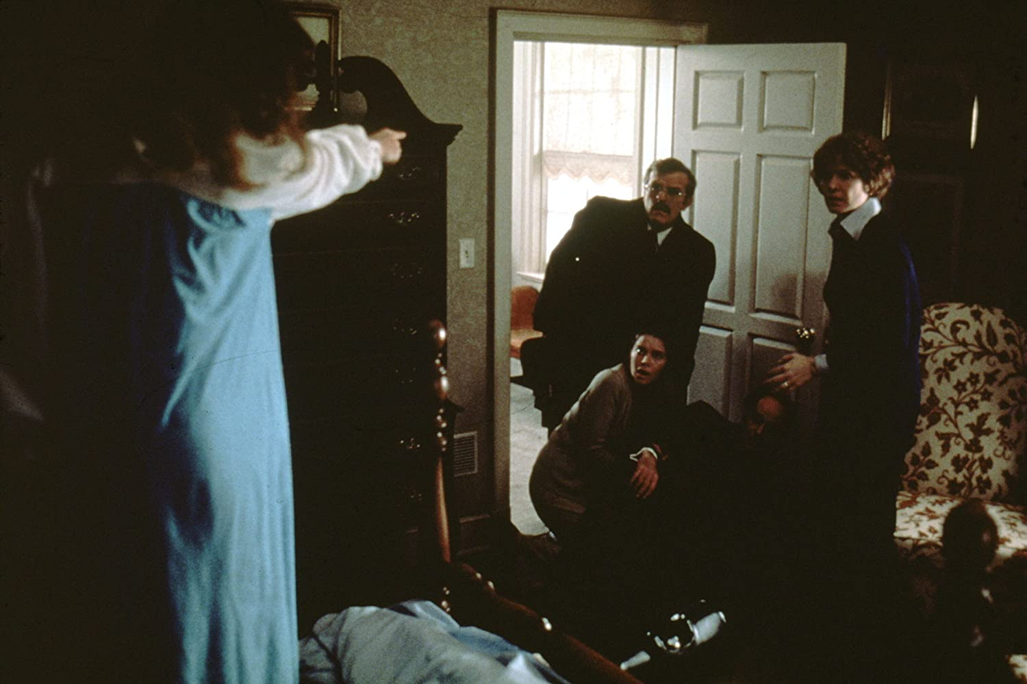 Linda Blair, Ellen Burstyn, Barton Heyman, Robert Symonds, and Kitty Winn in The Exorcist (1973)