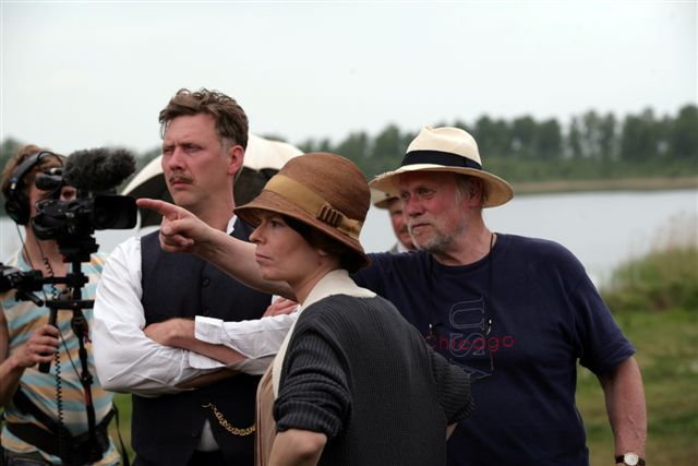 Maria Heiskanen, Mikael Persbrandt, and Jan Troell in Maria Larssons eviga ögonblick (2008)